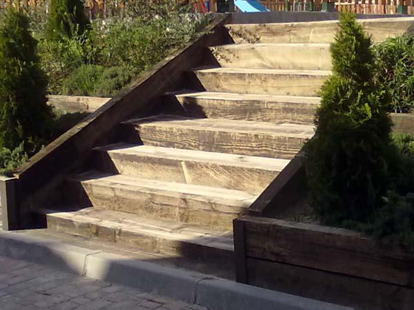 Venta de traviesas de madera para jardines en madrid avila - Escaleras para jardin ...